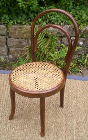 travail de votre artisan rempailleur et caneur une chaise cannée