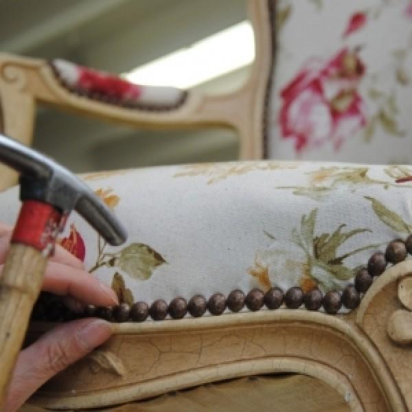 tapisserie ameublemnent travail du tappisier de Lyon et Rhone